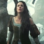 Creepy new clip from 'Snow White & The Huntsman' see's a distraught Kristen Stewart whispering the Lords prayer while looking slightly disturbed