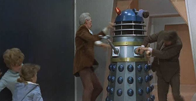 dr-who-and-the-daleks-dalek-attack