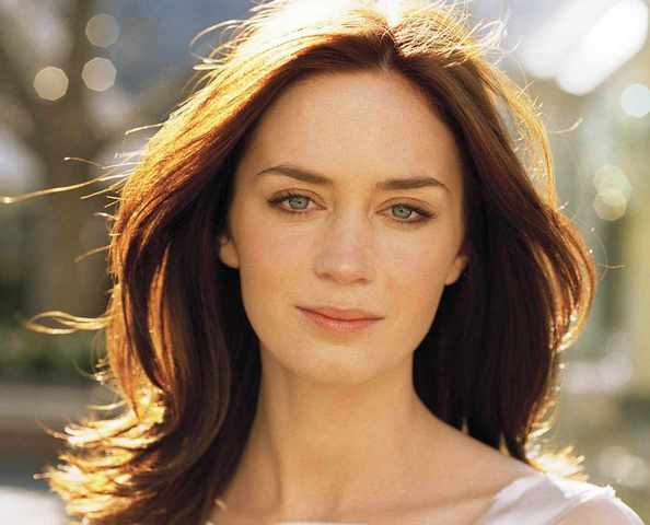 EMILY BLUNT TO PROBABL...
