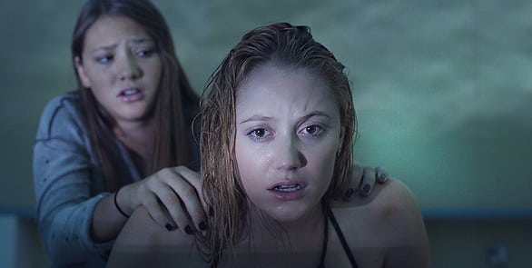 """It"" doesn't give up in terrifying official US trailer for 'It Follows' said to be the scariest film of 2015"