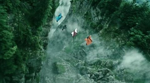 066078500_1449560315-Point-Break-wingsuit-600x284