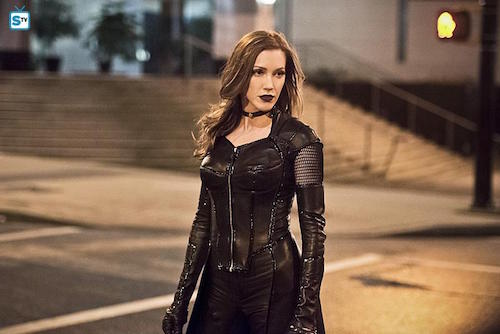 katie-cassidy-invincible-the-flash-03-500x334